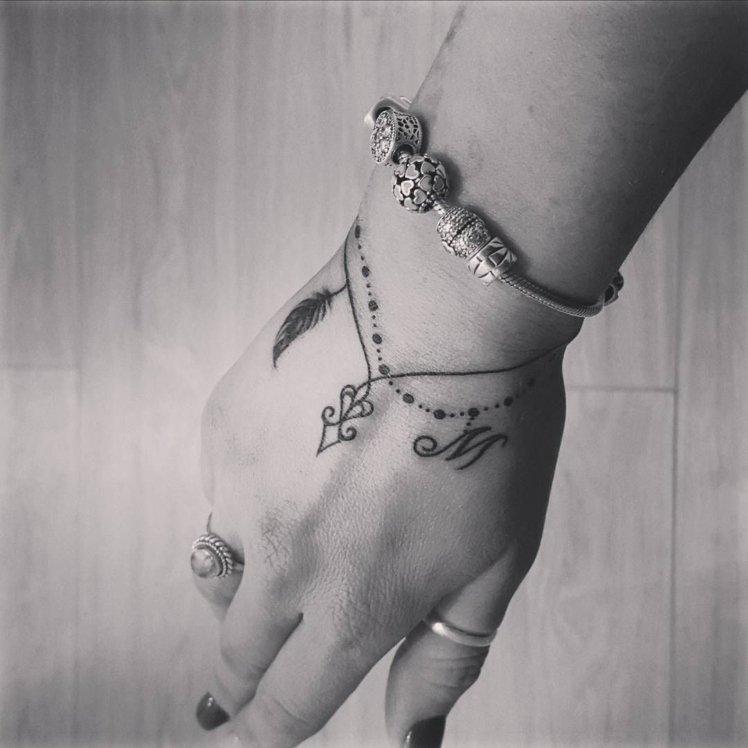 tattoo bracelets are a thing and we want them all forget