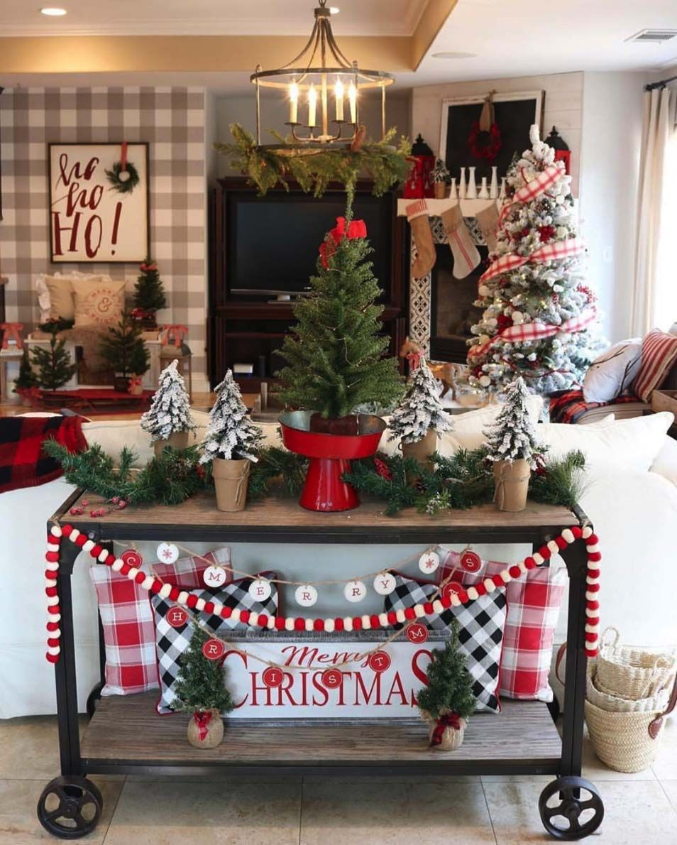 Home Design Ideas For Christmas: 30+ Cozy And Wonderful Rustic Farmhouse Christmas