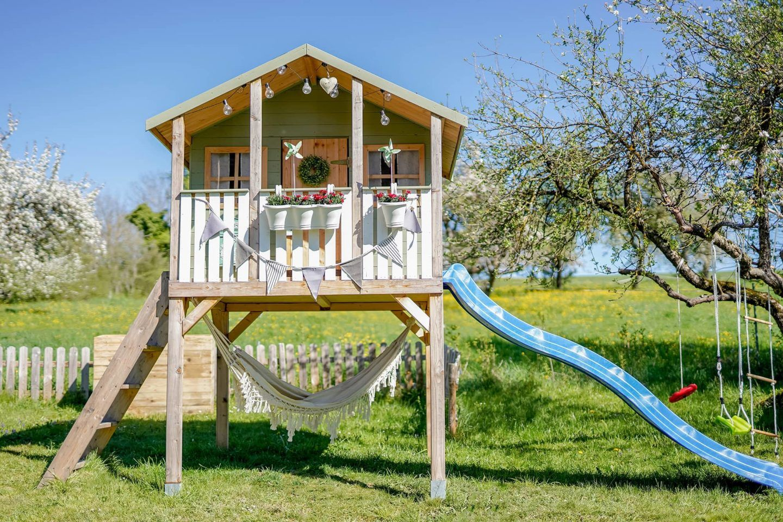 Stelzenhaus Spielhaus Diy Klapptisch Home And Herbs Kinder Spielhaus Garten Spielhaus Garten Spielturm Garten