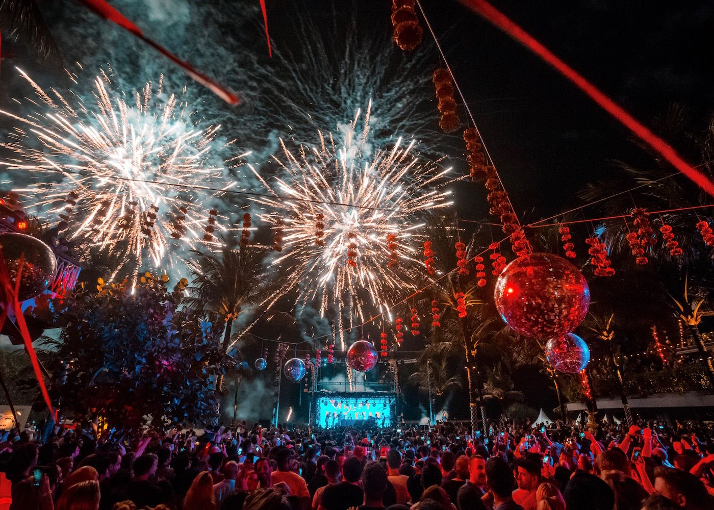 Best Places To Celebrate New Years With Images Paris New Years Eve