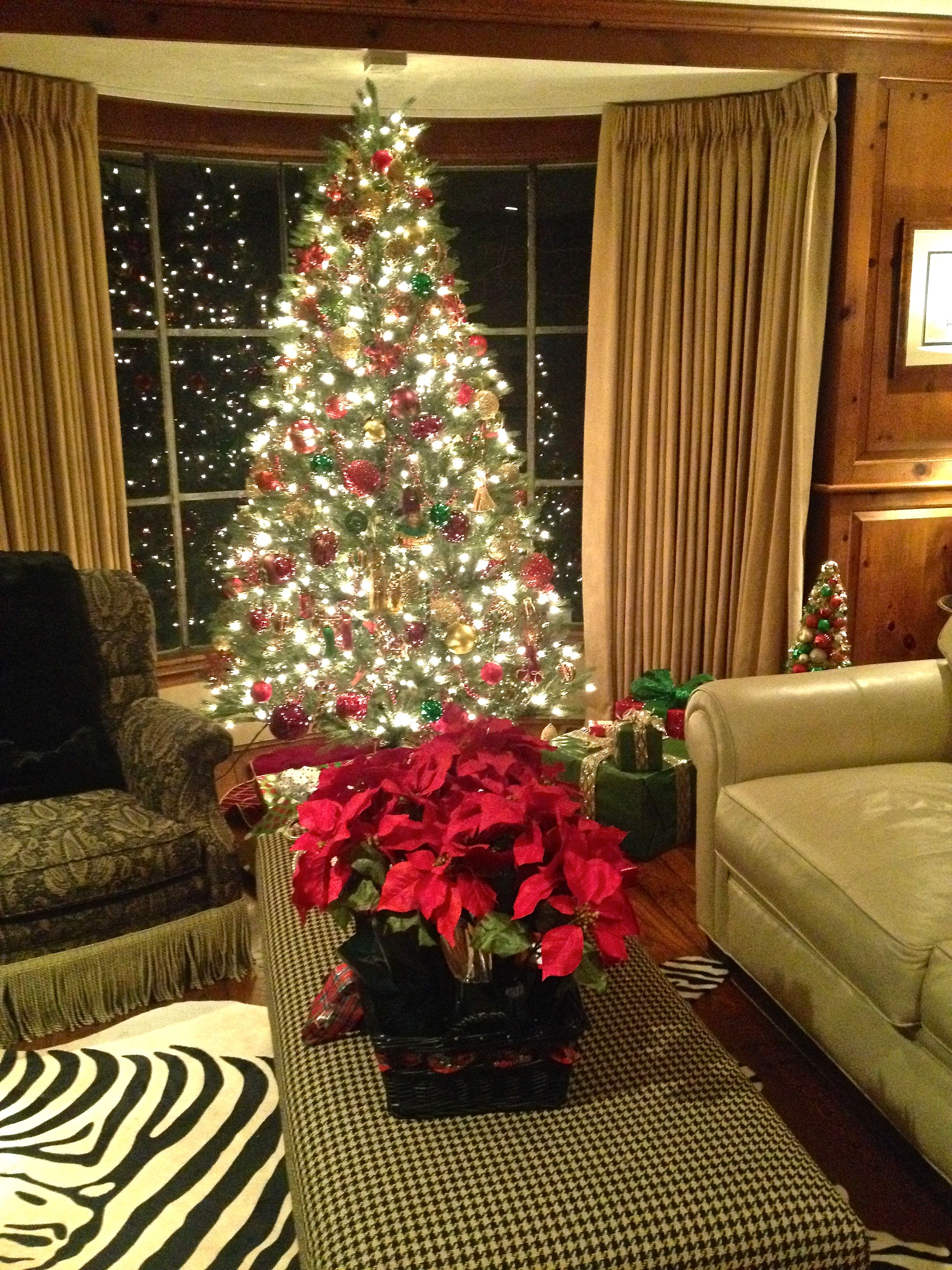 The Library: Red Green Burgundy & Gold Christmas Decor ...