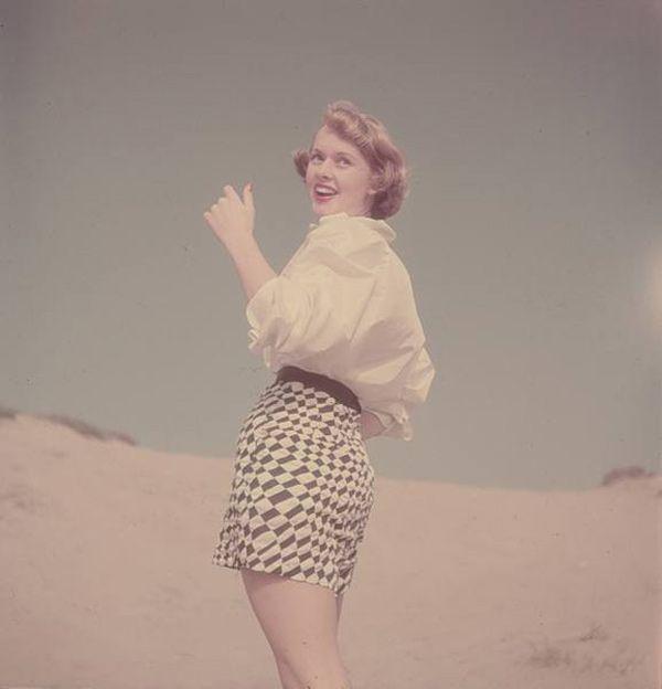 7edad97632ee Vintage Photos: Beach Fashion in California 1950s | 1950 The Year I ...