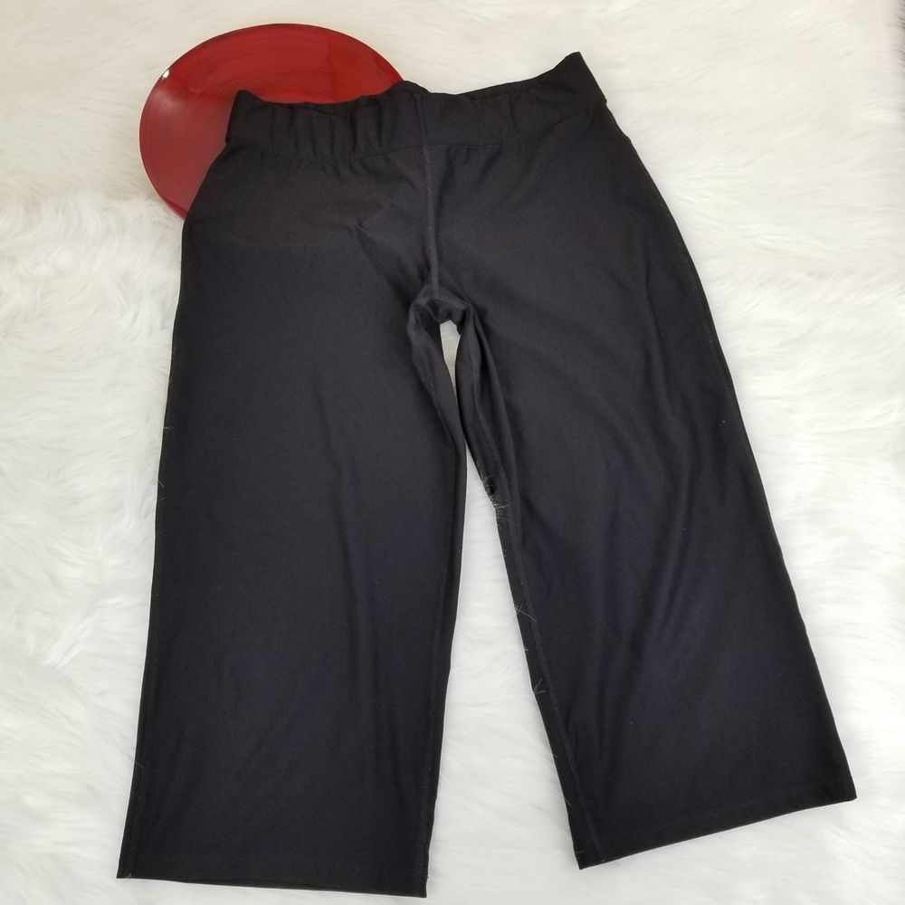 705ca759c68df Xersion Womens Yoga Pants Large Black Semi-Fitted Wide Leg Capri Athletic  o912 #Xersion #AthleticPants