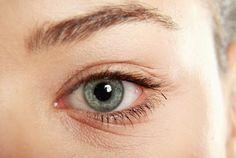 ¿Tienes arrugas en los ojos? Estos son algunos remedios que te ayudaran a eliminar esas arrugas fácilmente y sin problemas: