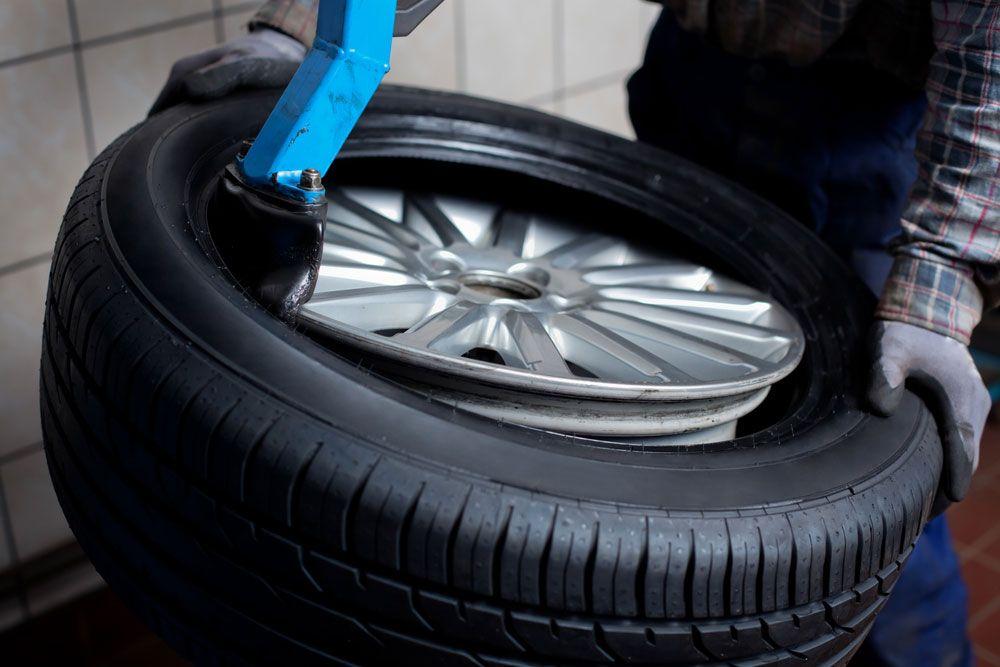 Now buy Car tyres in Dubai online through Amin Tyre care