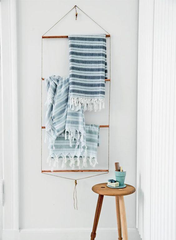 DIY Handdoekrek voor in de badkamer met koperen buizen: - DIY Room ...