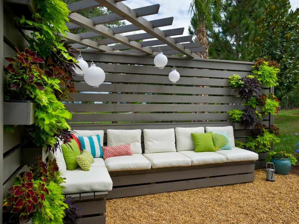 Pergola, privacy wall, bench Backyard Landscapes