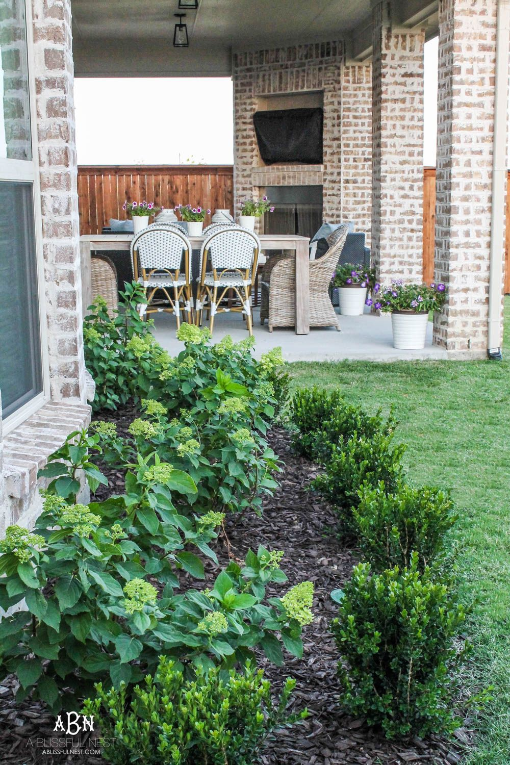 Small Backyard Makeover Before and After - Landscaping ...