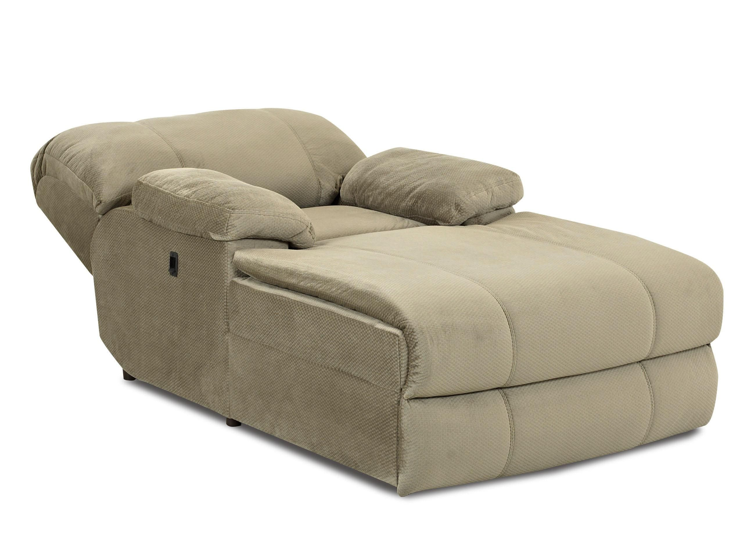 Indoor oversized chaise lounge kensington reclining for Chaise longe sofa