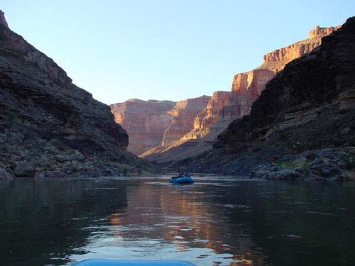 Rafting through the Grand Canyon, YoTuT @ flickr.