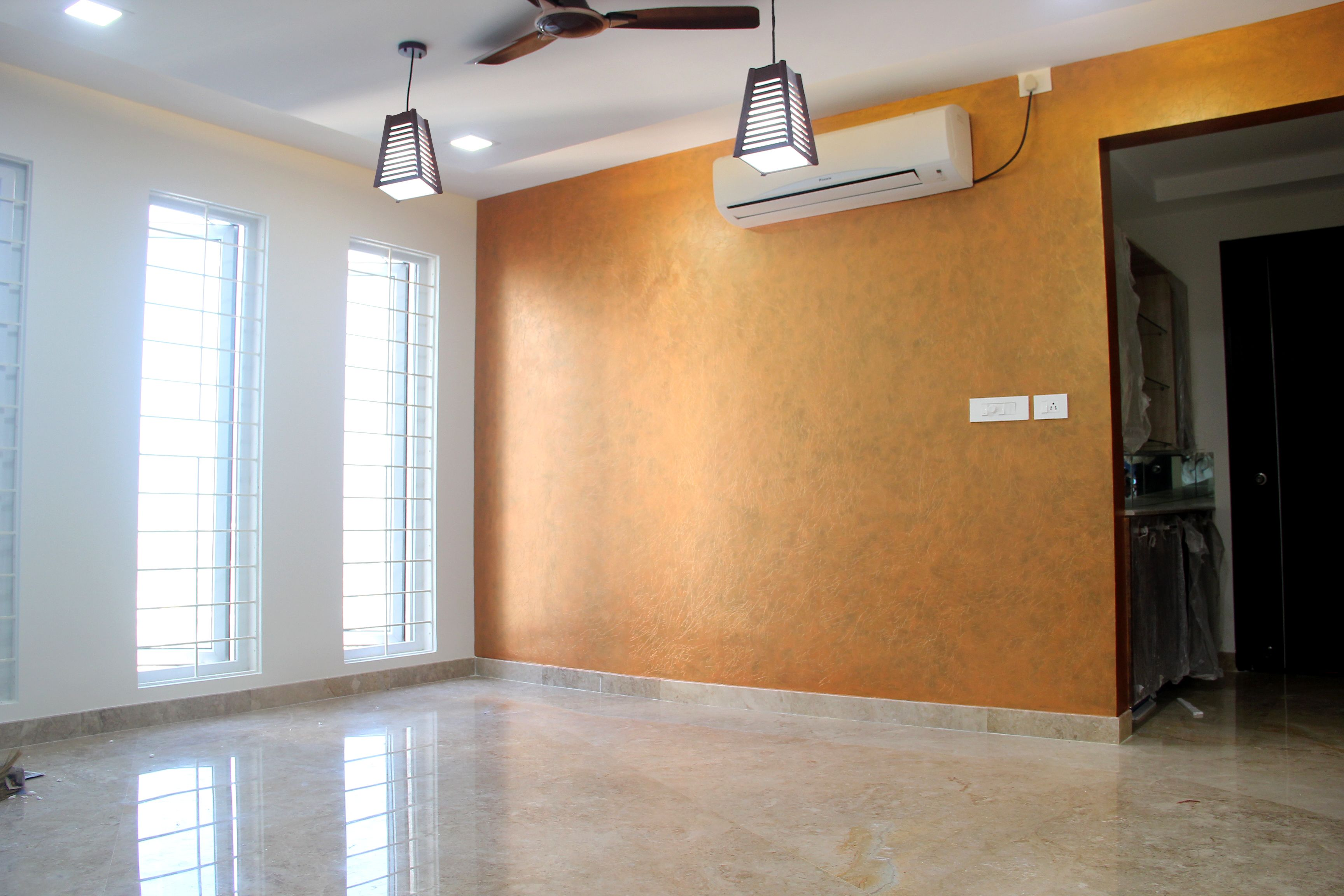 Crinkle Metallics Base Coat 8454 Dull Birch Top Coat M 0578 Valcano Gives Trendy Look To The Interior Paint Colors For Living Room Interior Ceiling Lights