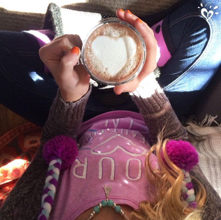 A sweet afternoon treat: hot cocoa with lots of <3!