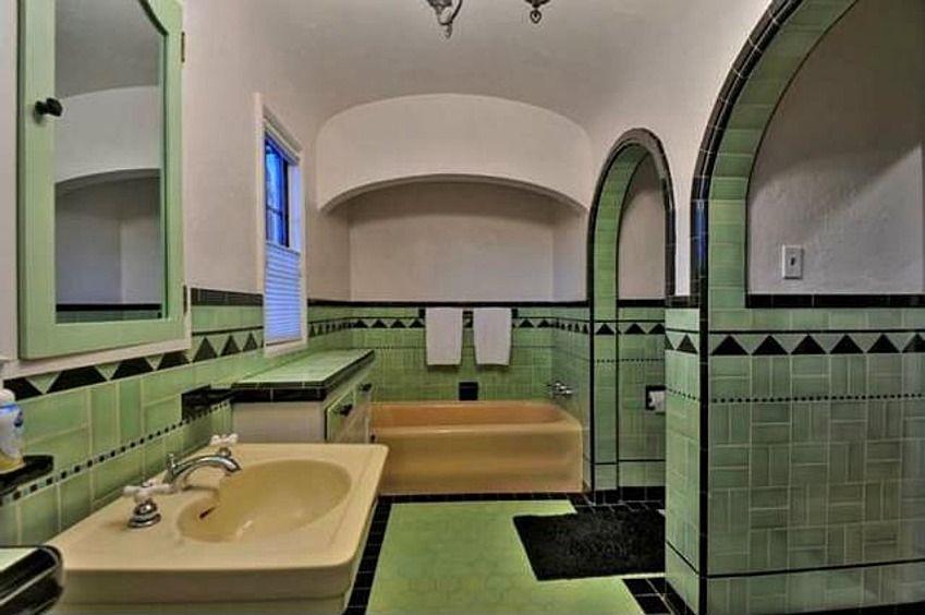 Art deco bathroom in campbell estate mint badkamer