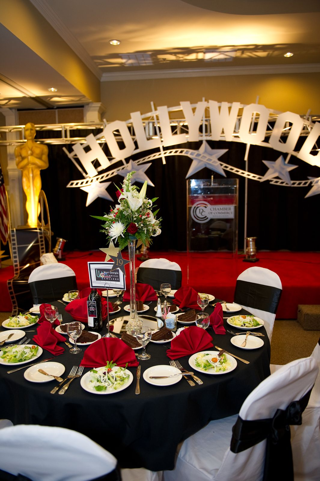Hollywood themed gala room decoration at the centre for Hollywood party dekoration