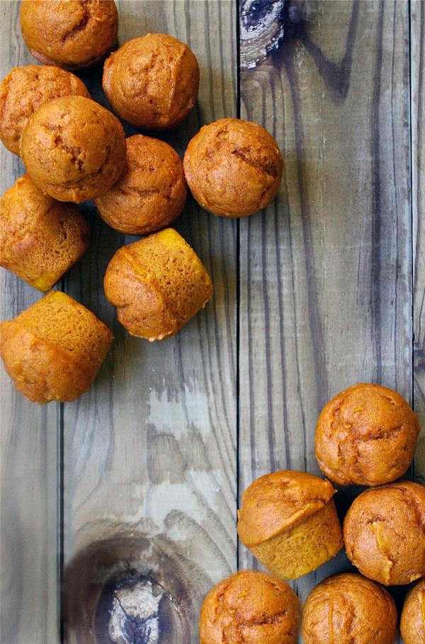 Mini Pumpkin Muffins #pumpkinmuffins