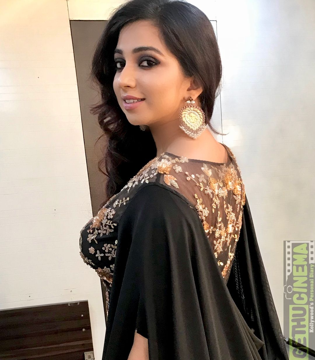 Shreya Ghoshal   Shreya ghoshal hot, Celebrities