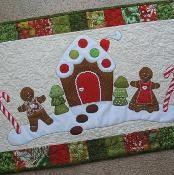 Gingerbread Christmas Table Runner - via @Craftsy