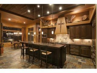 Scottsdale Az 2 550 000 Mls 4932196 Listing Agent Steve Stevens Of Hunt Real Estate Era Cozy Kitchen Kitchen Pantry Breakfast Bar