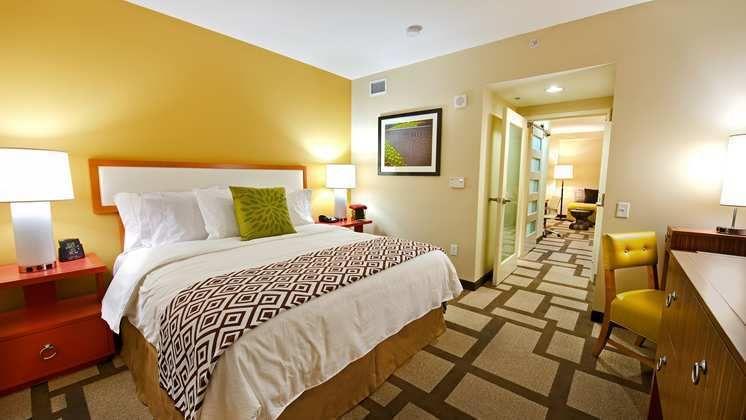 Hotels Mit Mehreren Schlafzimmern #Badezimmer #Büromöbel #Couchtisch