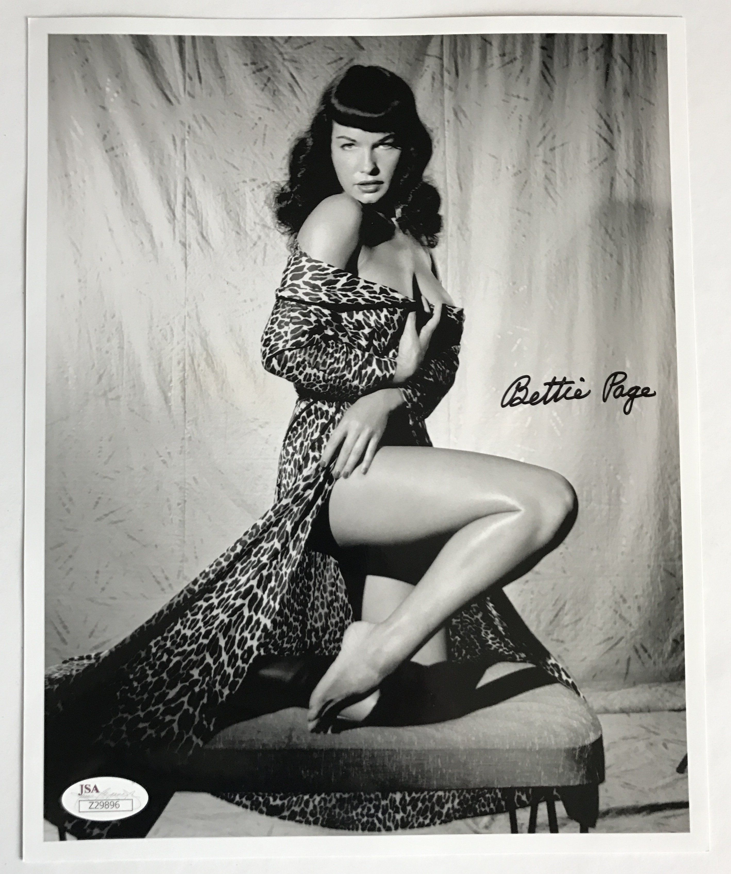 Betty Page Nude Photos 6