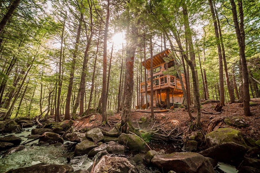 Seven New England Airbnbs To Satisfy Your Leaf Peeping
