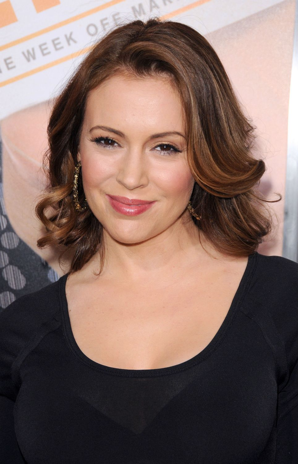 Alyssa Milano Medium Hair With Images Alyssa Milano Hair