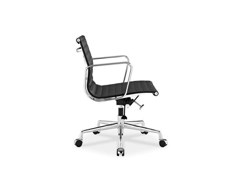 Eames Aluminum Group Management Chair Replicas Of The Highest Quality.  Original Design By Charles And Ray Eames For A Private Residence Being  Designed By ...
