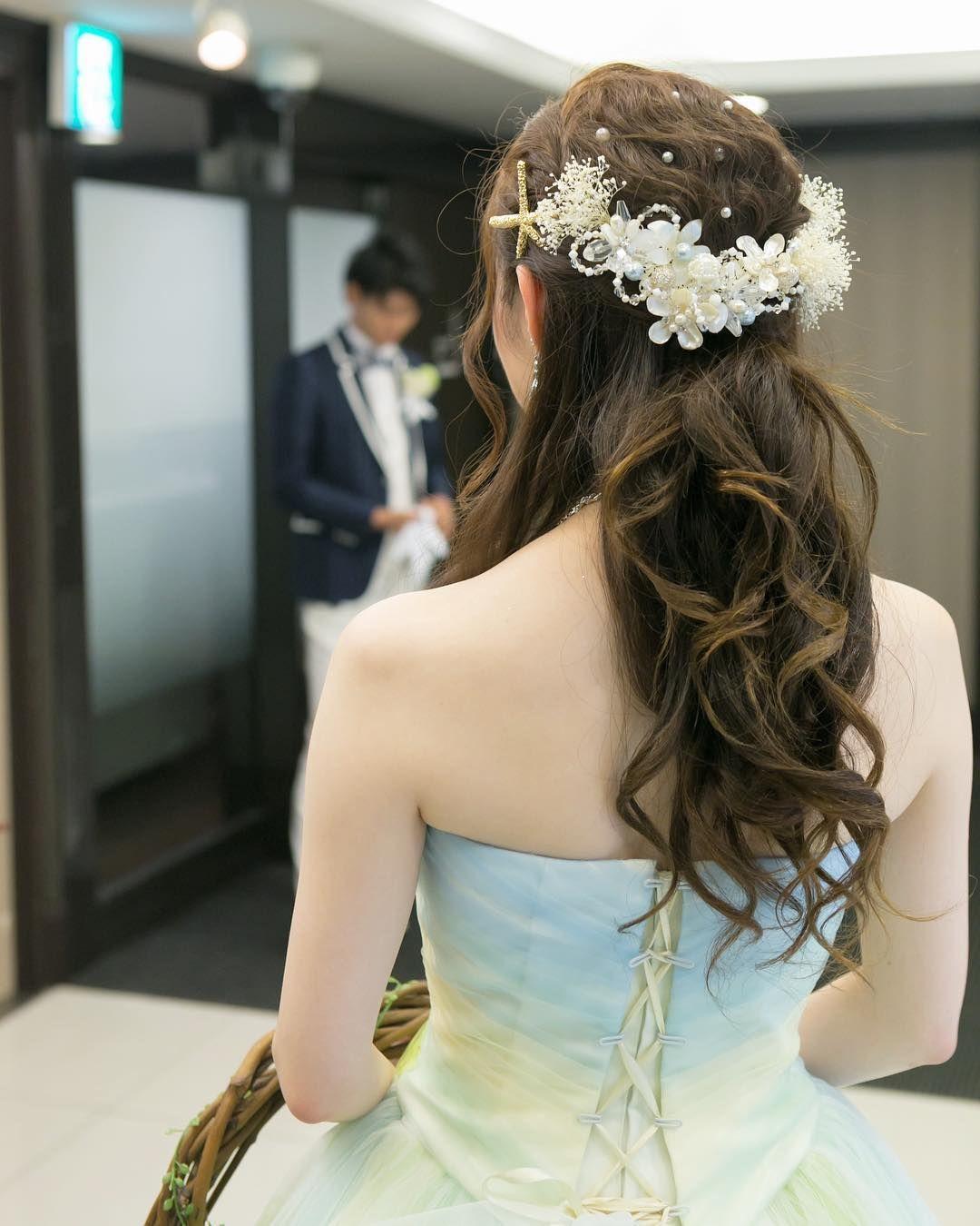お色直しヘアに大人気 ハーフアップ ハーフ花冠 のブライダルヘアが可愛すぎ Marry マリー ブライダルヘア お色直し 髪型 花嫁