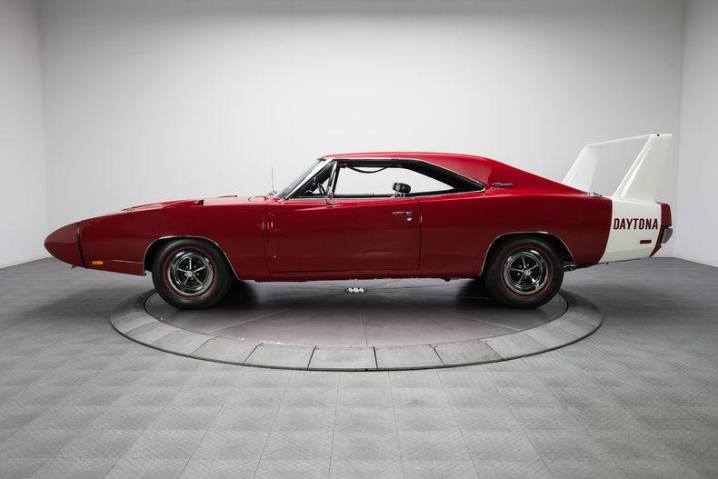 1969 Red Dodge Charger Daytona Hardtop 440 Magnum V8  Vs X