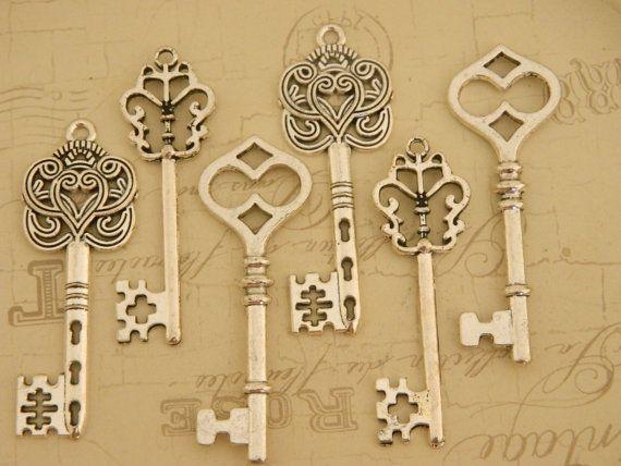 Set Of 12 Rustic Style Silver Tibetan Skeleton Keys Charms