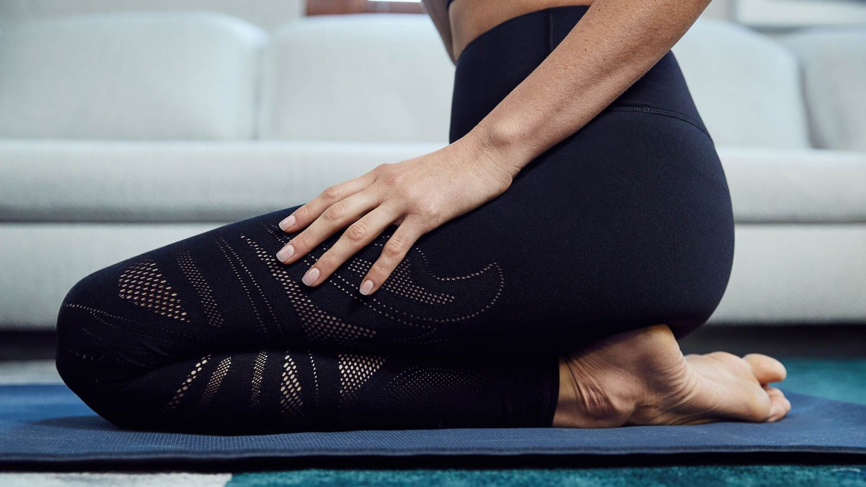 At Home Yoga With Yogi Krystina Holbrook For Lululemon By Matt Korinek Photography Yoga Images Yoga Photography Yoga