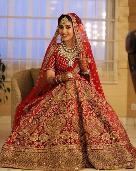 6e9da6b998 Queries: Nivetasfashion@gmail.com Specialise in HAND EMBROIDERED BRIDAL  OUTFIT INTERNATIONAL DELIVERY Email : nivetasfashion@gmail.com # bridallehenga ...