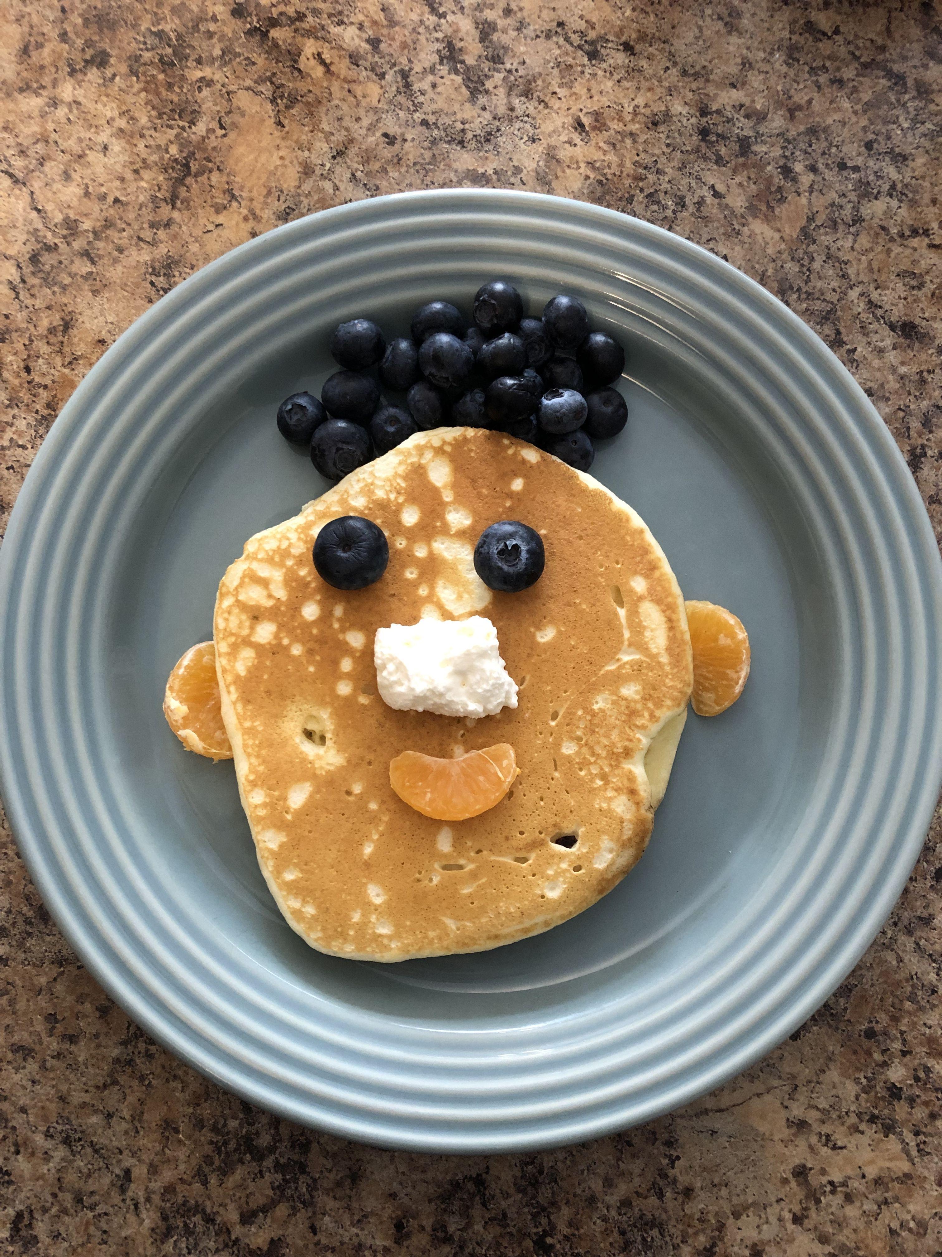 Pancake faces | Pancake face, Pancakes, Food