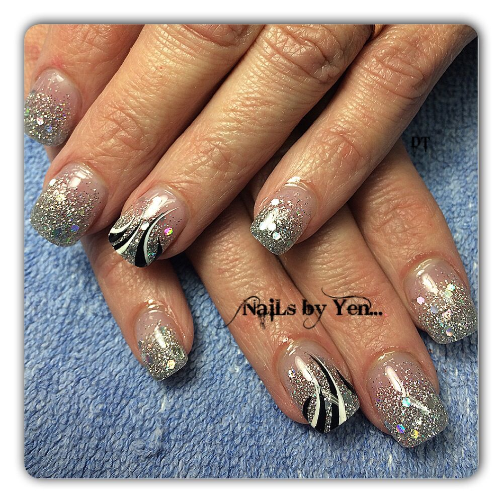 Chunky silver glitter acrylic nails with abstract nail art #gradient ...