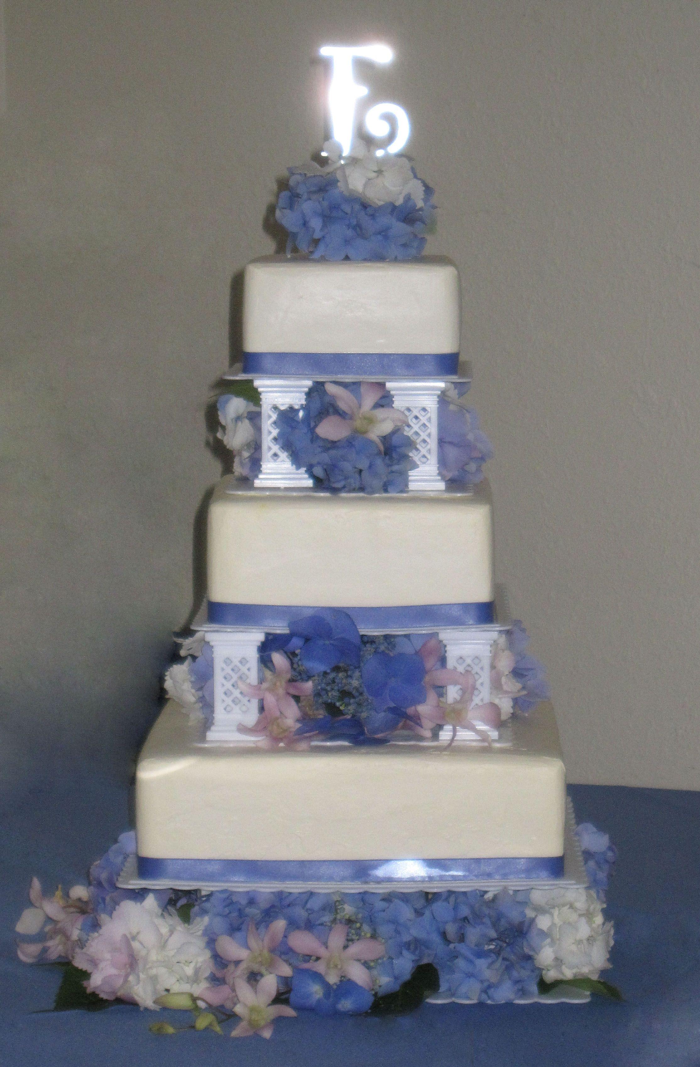 Square Wedding Cake With Blue Hydrangeas Top Tier Cakes