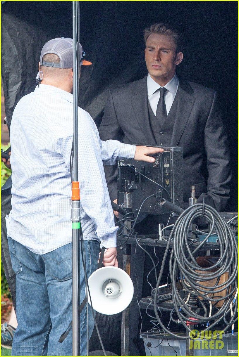 Chris Evans Begins Filming Captain America Civil War