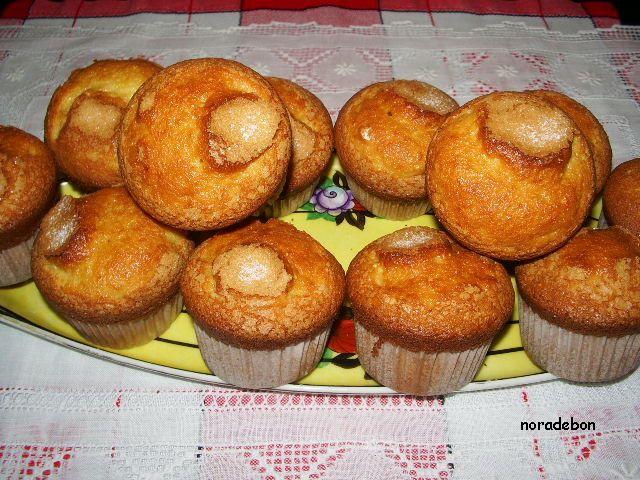 PAN Y OTRAS VIANDAS: Madalenas (receta de mi cuñada)