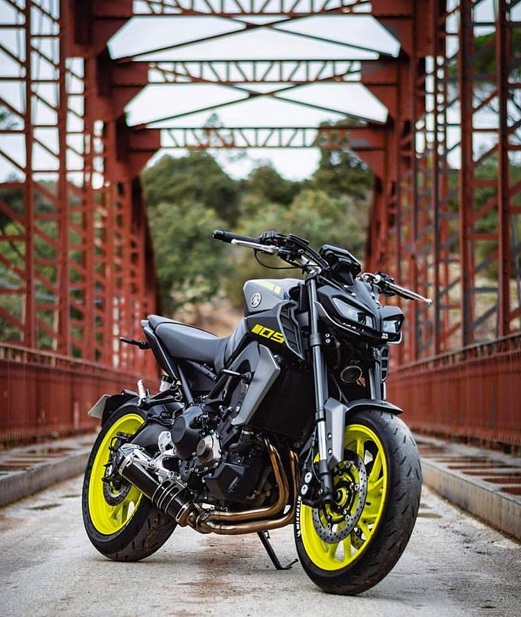 Instagram 上的 Mt09 Love What S Your Favorite Exhaust For The Mt Fz Owner Neeco Mt Tag Mt09love To B Editing Background Bike Pic Blue Background Images