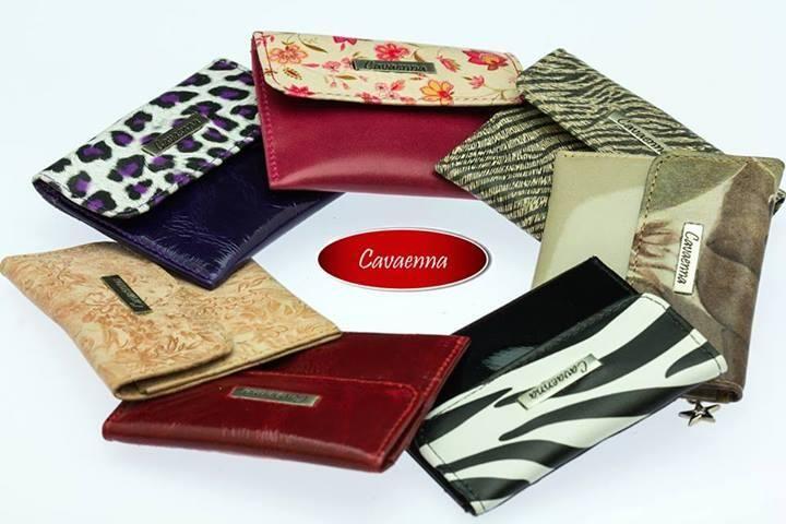 ¡No es sencillo elegir! Por eso tómate tu tiempo y escoge el monedero #Cavaenna que más te guste.