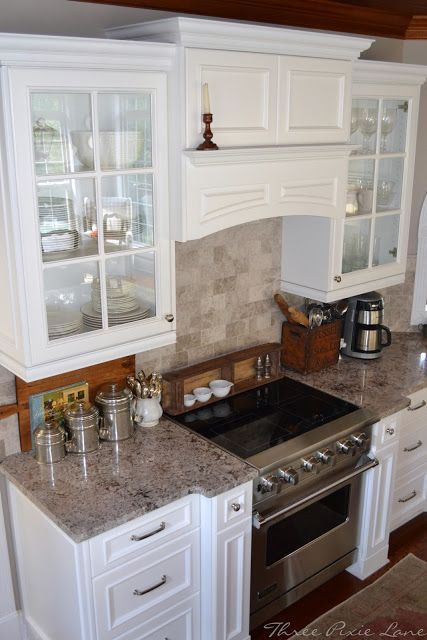 Hood Her Granite (Ecuador White Or Bianco Antico) With Her Cabinet Color Is  Exactly What I Want For My Kitchen. But I Will Have Slate Appliances And I  Think ...