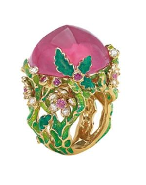 Dior's ring