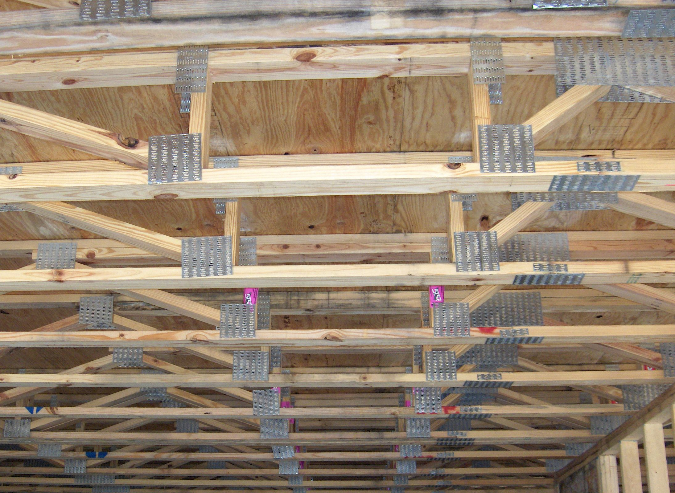 If You Order Properly Sized Open Web Floor Trusses Your Hvac Contractor Should Have Enough Room To Ins Roof Truss Design Ductwork Installation Hvac Contractor