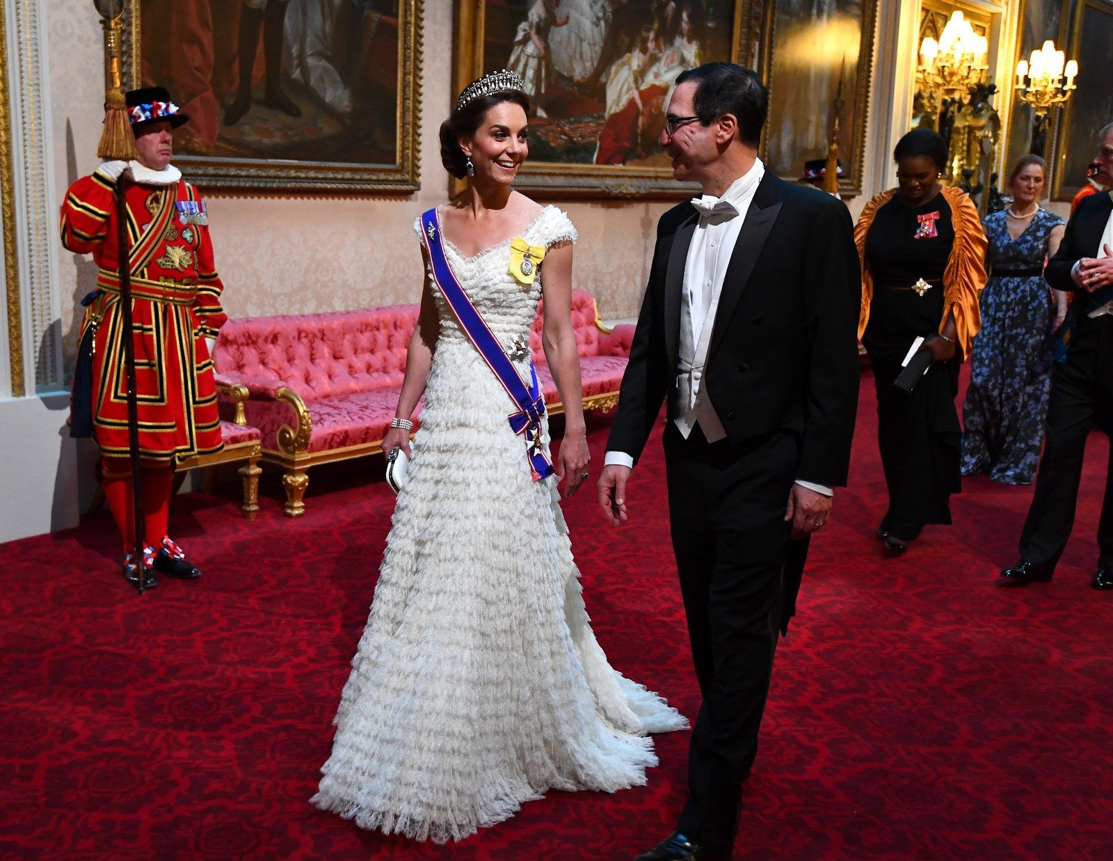 Everything You Need To Know About Kate Middleton S Favorite Tiara Prince William And Kate Duchess Catherine Kate Middleton