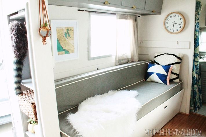 michelle s colddeadfingers trailer reno home beautiful home relooking caravane caravane. Black Bedroom Furniture Sets. Home Design Ideas