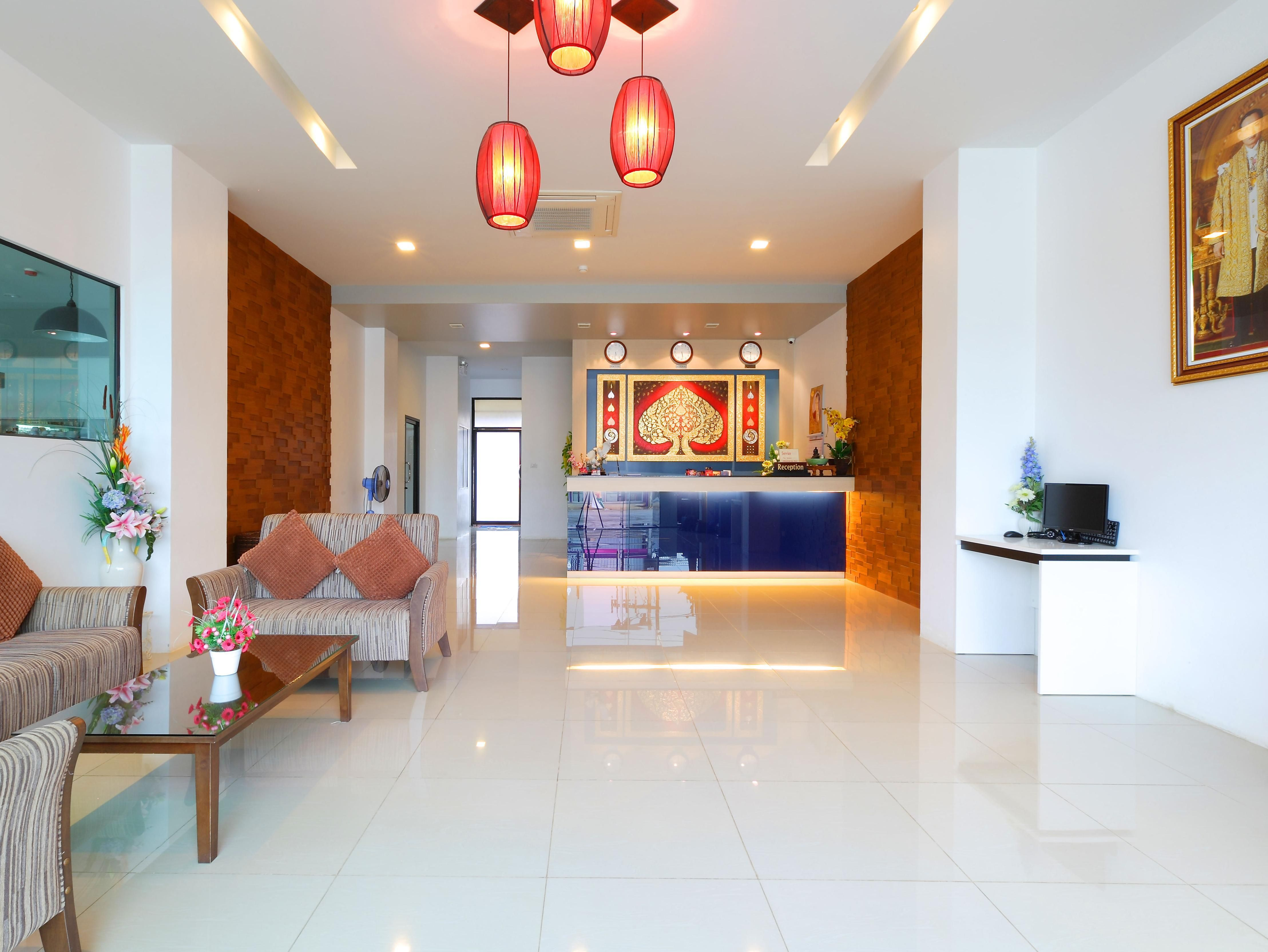 Phuket Sri Boutique Hotel Thailand, Asia Located in Patong, Sri Boutique Hotel is a perfect starting point from which to explore Phuket. Featuring a complete list of amenities, guests will find their stay at the property a comfortable one. All the necessary facilities, including free Wi-Fi in all rooms, convenience store, laundromat, 24-hour front desk, 24-hour room service, are at hand. Some of the well-appointed guestrooms feature television LCD/plasma screen, clothes rack, ...