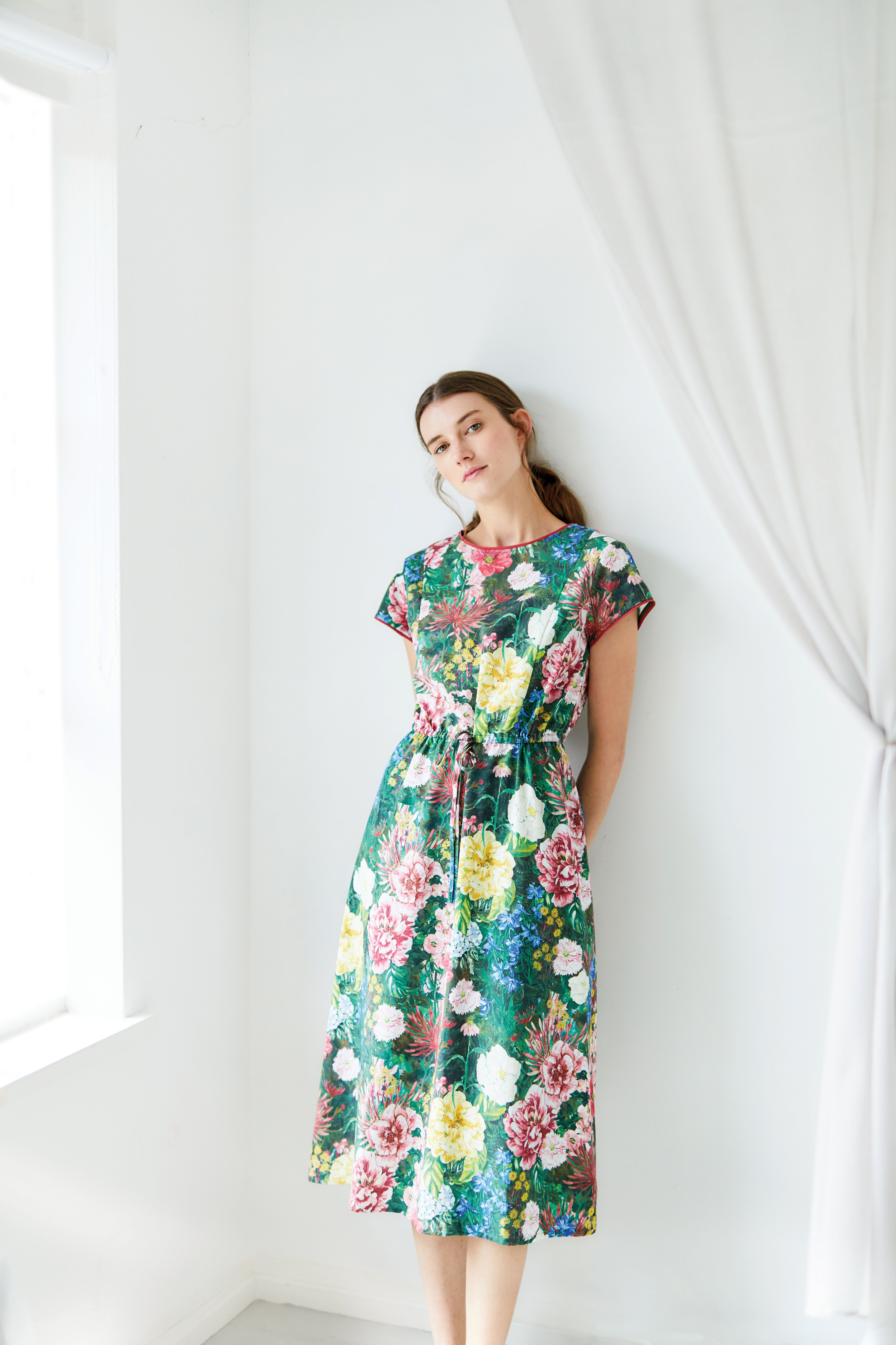 cb44735ae3 This digitally printed floral midi dress is crafted from smooth Tencel and  certified organic cotton, making it cool and breathable.