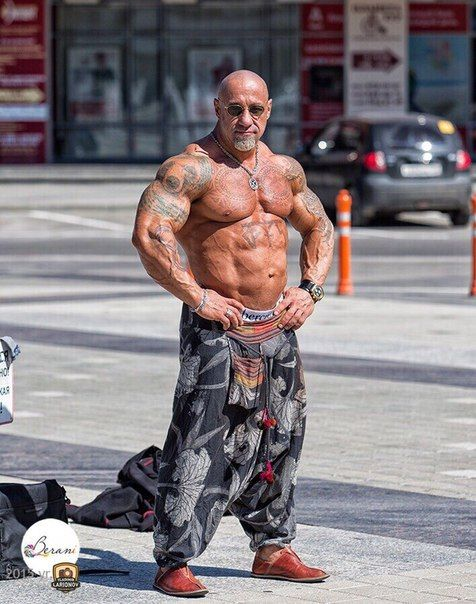 Russian muscle ripped boys shredded