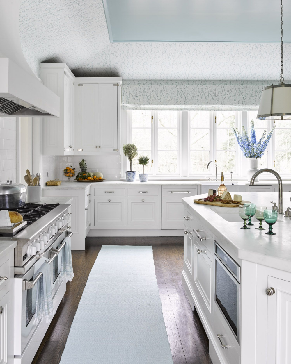 These 33 Beautiful White Kitchens Are Loaded With ...