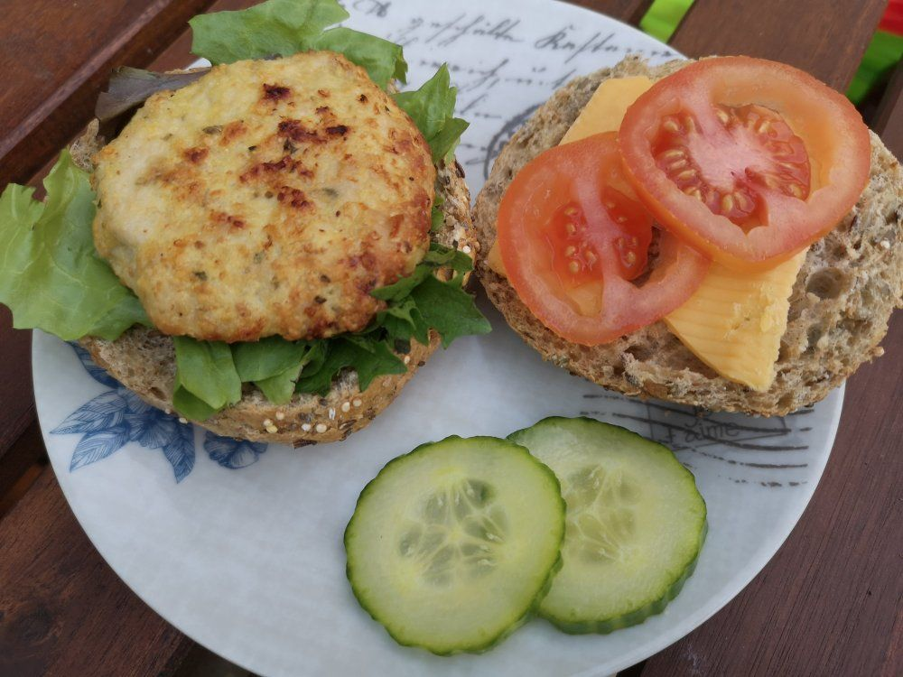 Easy Turkey Burgers | Easy turkey burger recipe, Turkey ...