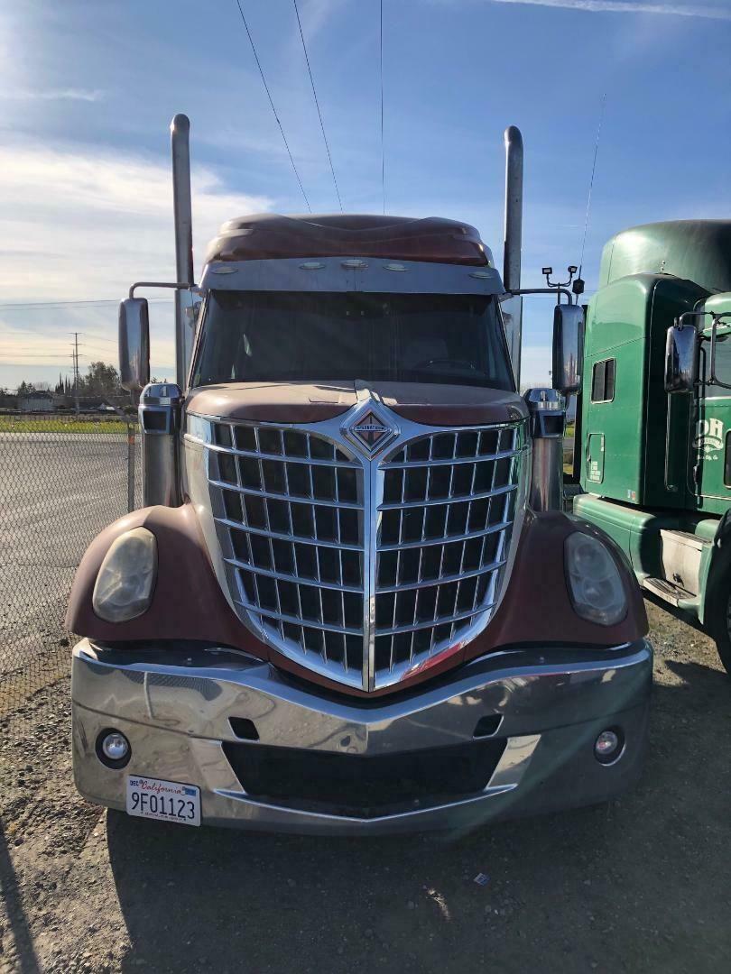 Semi Truck in 2020 Semi trucks, Trucks, Bucket truck